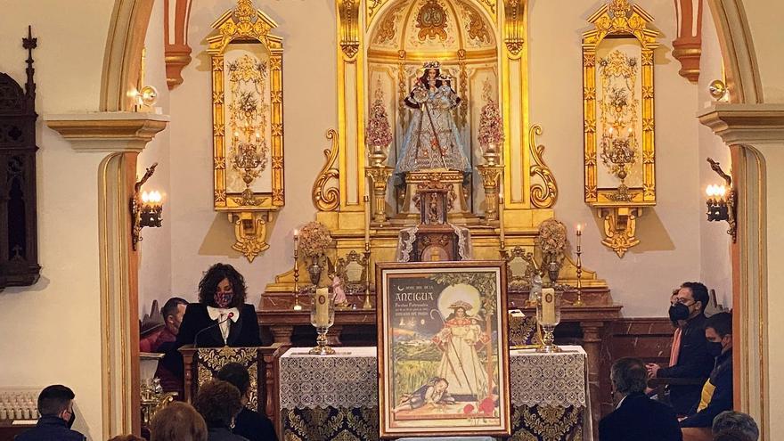 La patrona de Hinojosa del Duque regresa al culto tras su restauración