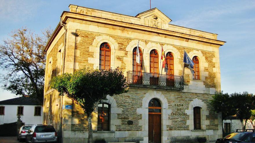 Outeiro de Rei, gobernado por el PP, reclama a la Iglesia 46 bienes