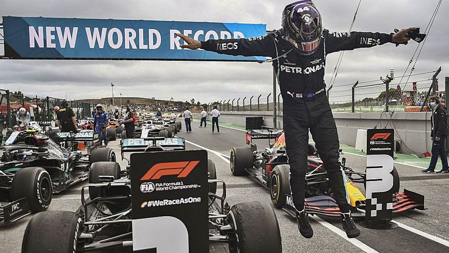 Hamilton bate el récord de Schumacher