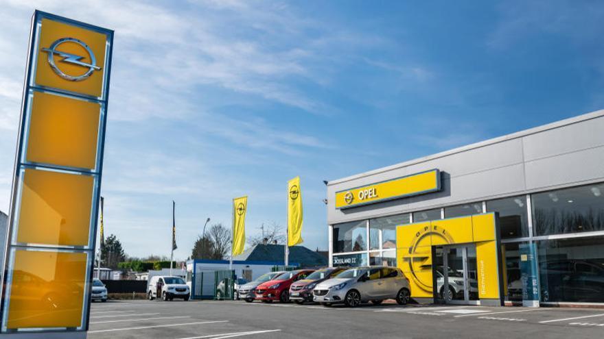Opel lanza en España su primer híbrido enchufable, el Grandland X Hybrid 4