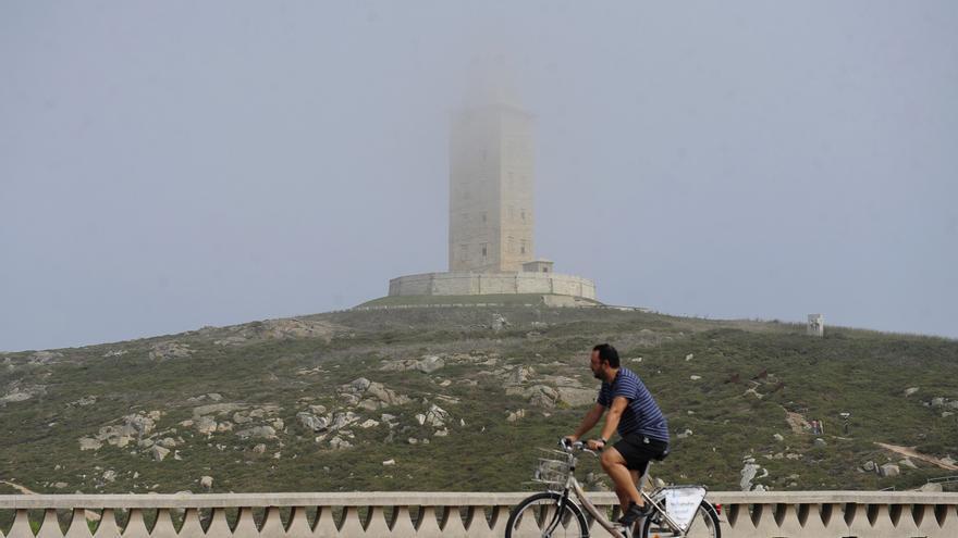 La entrada de aire húmedo mitiga la influencia del anticiclón en Galicia