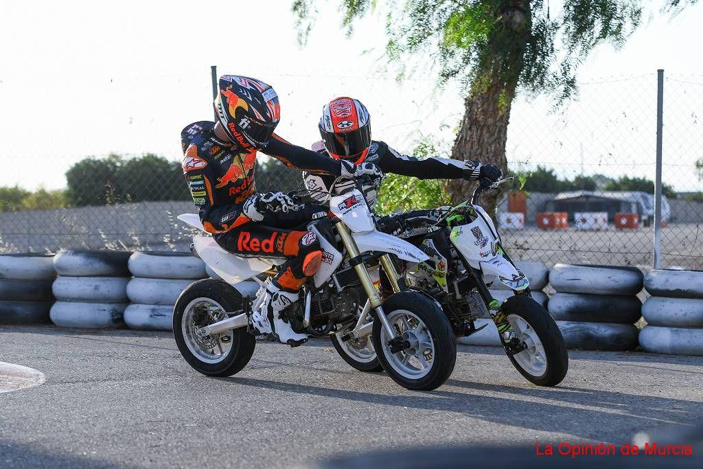 Pedro Acosta y la escuela Pakosta 37 Riders pasan las vacaciones entrenando