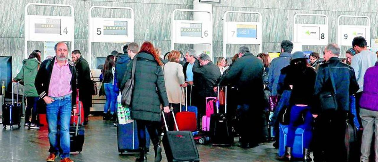 Los seis vuelos especiales desde Zaragoza viajarán al completo