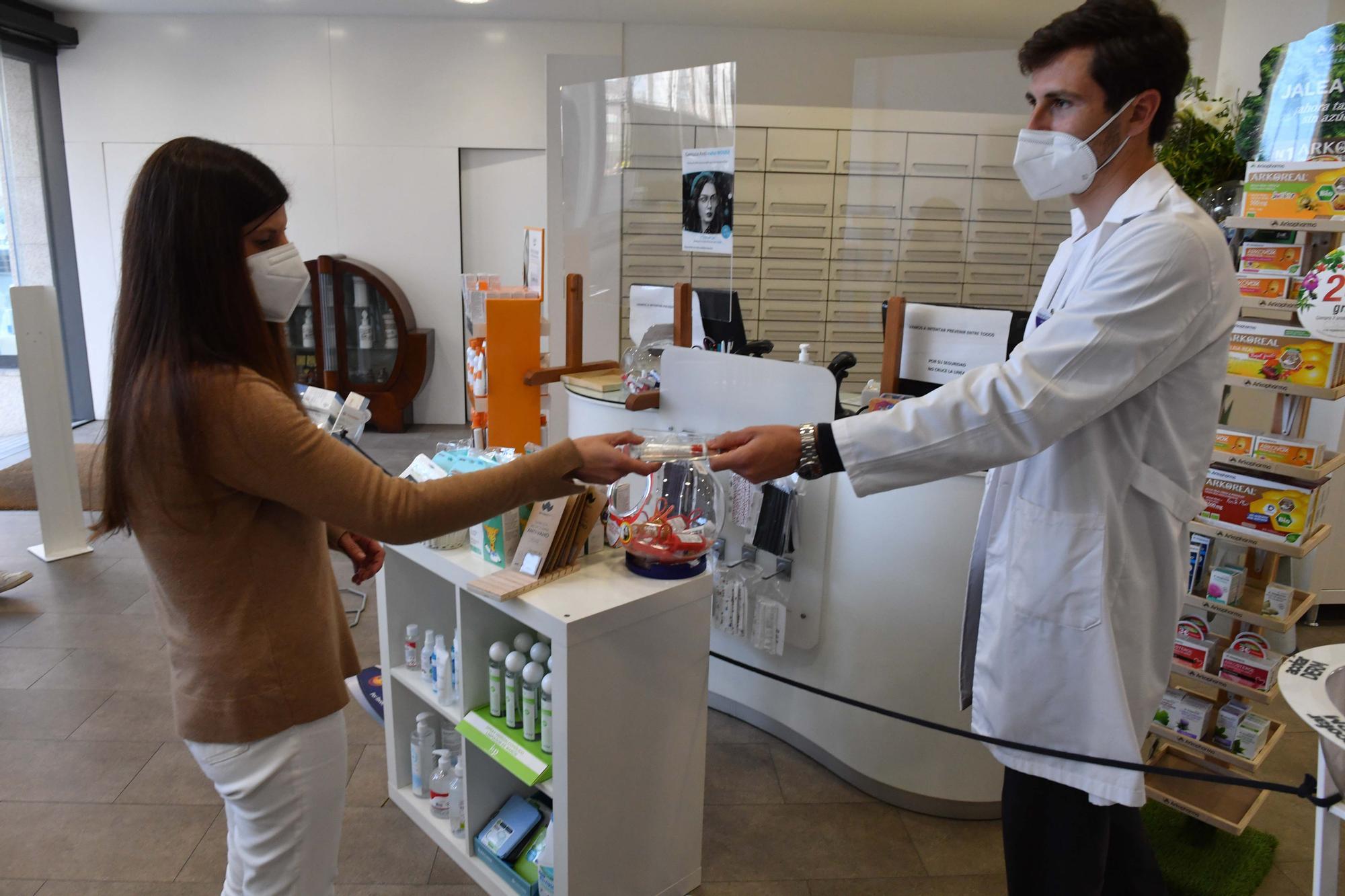Farmacias de Arteixo y Culleredo colaboran con los cribados de COVID