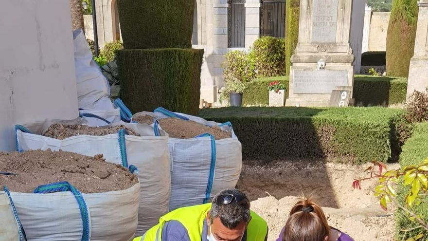 Los arqueólogos muestran su decepción al no hallar restos de represaliados en Porreres