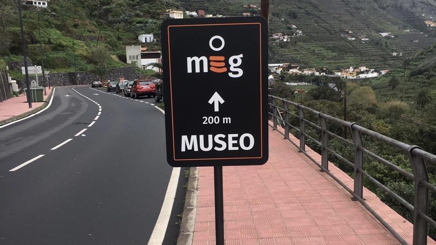 El Cabildo de La Gomera instala nueva señales informativas de la red de museos