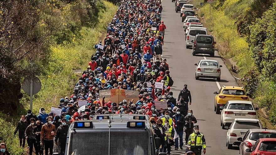 Aguere crea una ruta peatonal segura del centro de migrantes de Las Raíces al casco