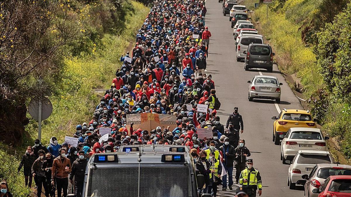 Movilización de solidaridad con los migrantes de Las Raíces el pasado 6 de marzo en la TF-24.