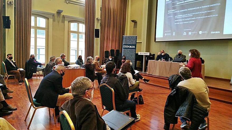 La IAEDEN vol una taula de treball a l'Empordà sobre les renovables