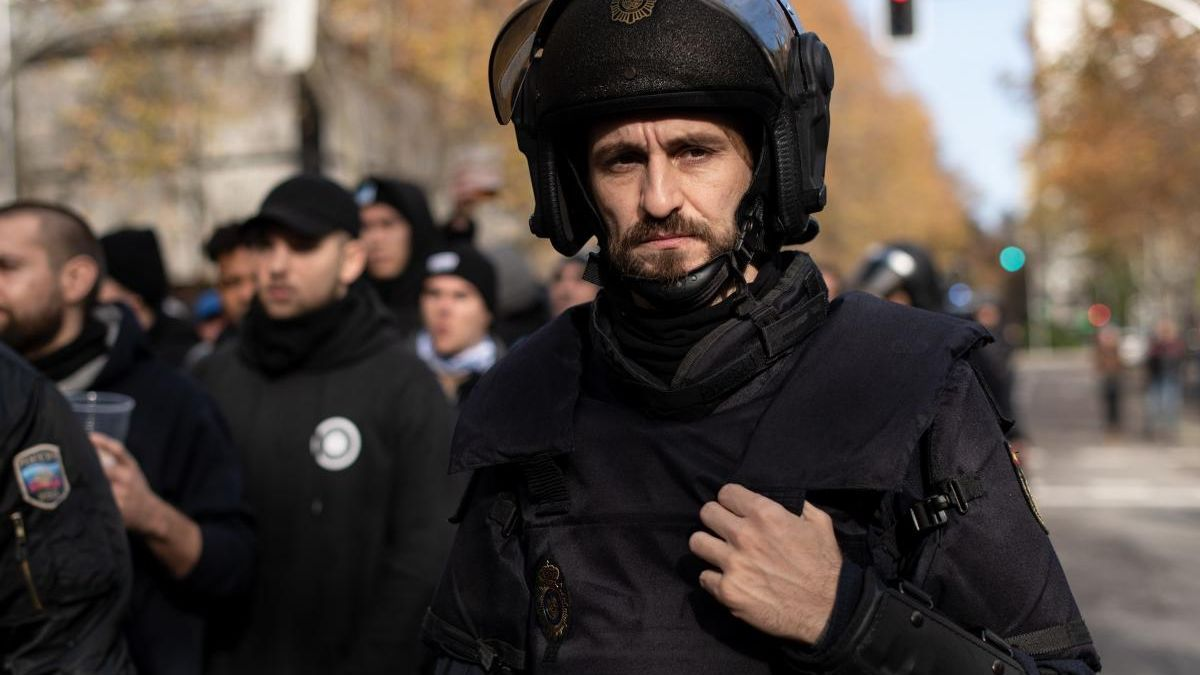 Fotograma de 'Antidisturbios'.