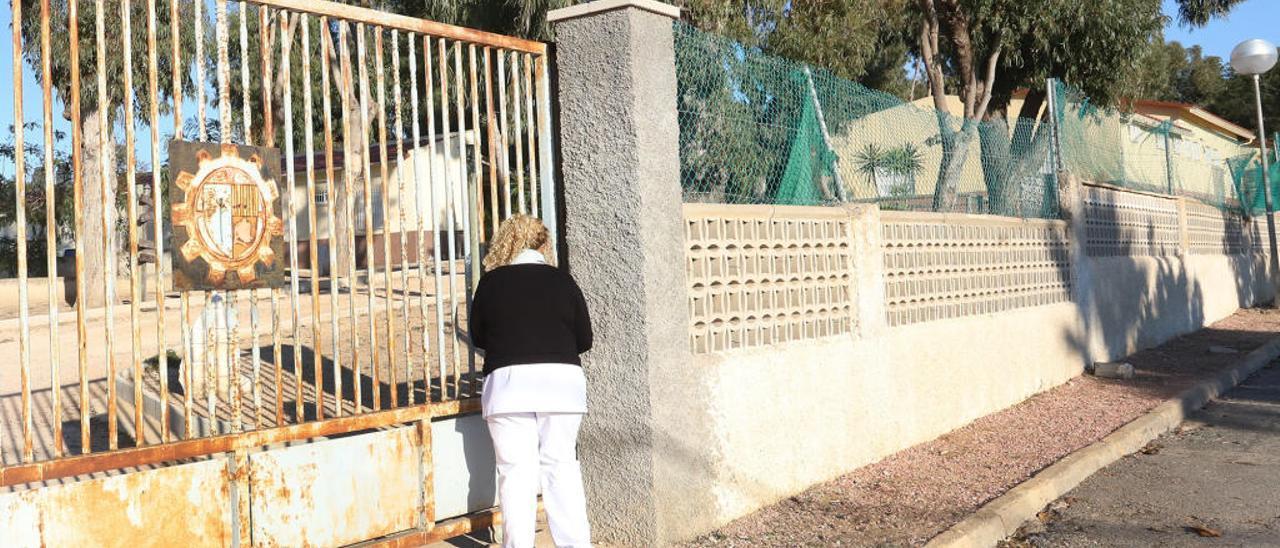 Orihuela mantiene a 16 usuarios del Oriol en un albergue de Guardamar