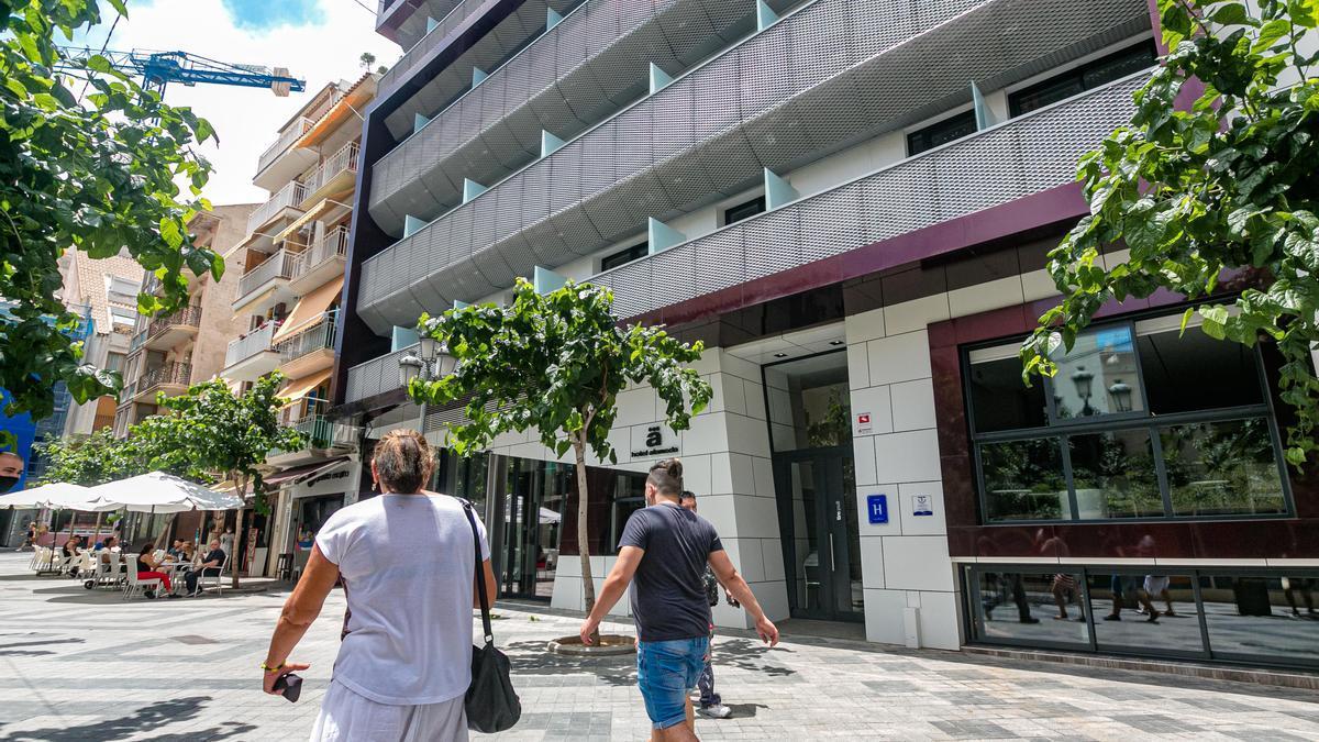 El céntrico hotel Alameda albergará a los primeros viajeros.