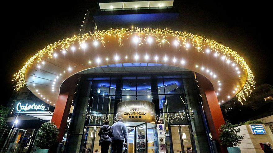 Benidorm premia la decoración de hoteles y tiendas por Navidad