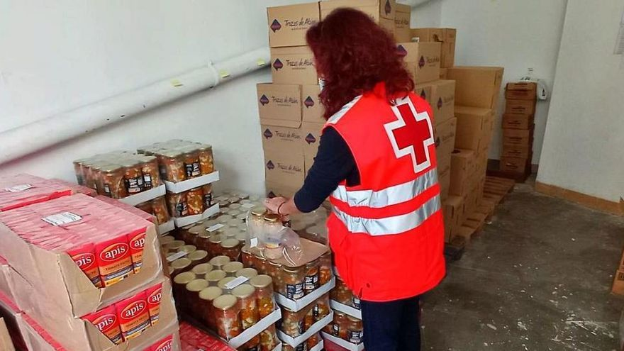 Creu Roja reparteix 400 tones d'aliments a Girona