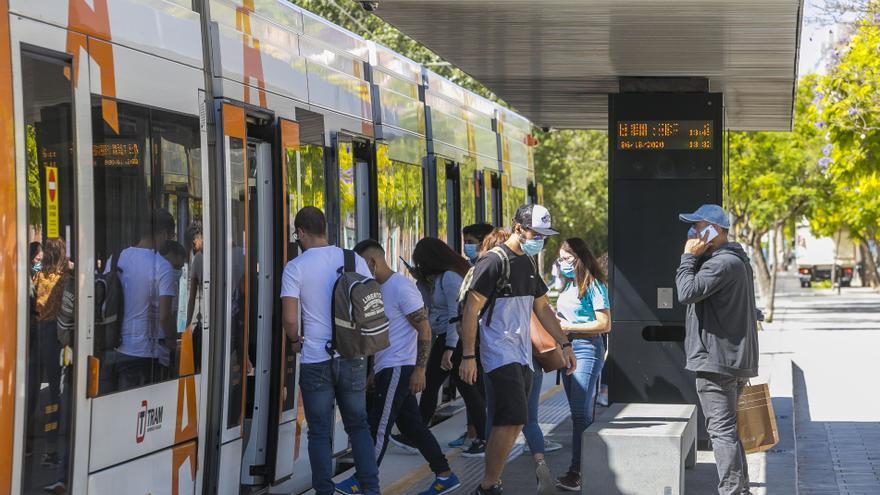 Los tranvías pierden 2,2 millones de pasajeros en 4 meses por el miedo a viajar y el teletrabajo