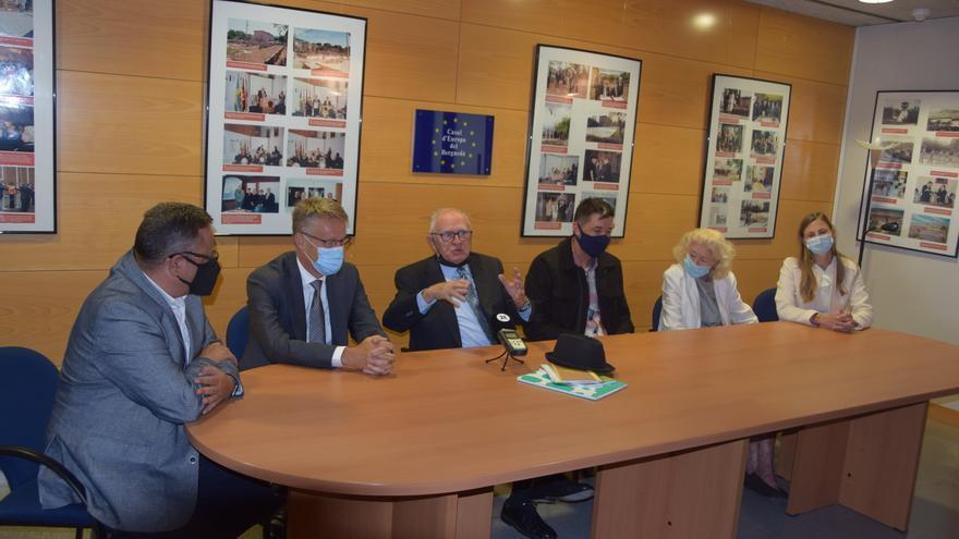 L'ambaixador i la cònsul sueca presideixen l'acte dels 20 anys de la reconstrucció del pavelló de Suècia de Berga