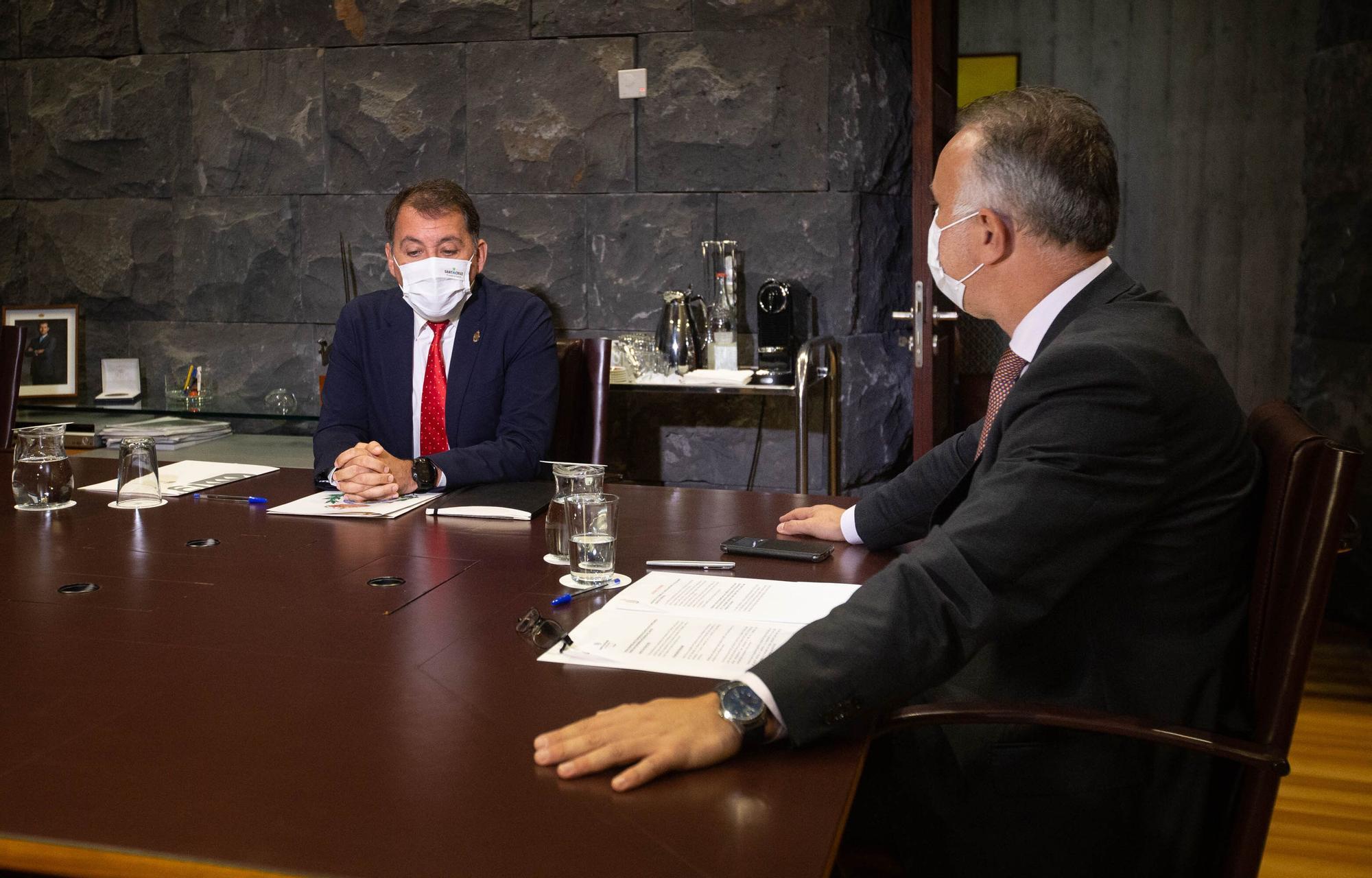 Reunión presidente del Gobierno canario, Ángel Víctor Torres, con el alcalde Santa Cruz de Tenerife, José Manuel Bermúdez.