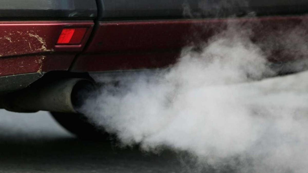 La media de emisiones de los coches nuevos en España se reduce, aunque no lo suficiente