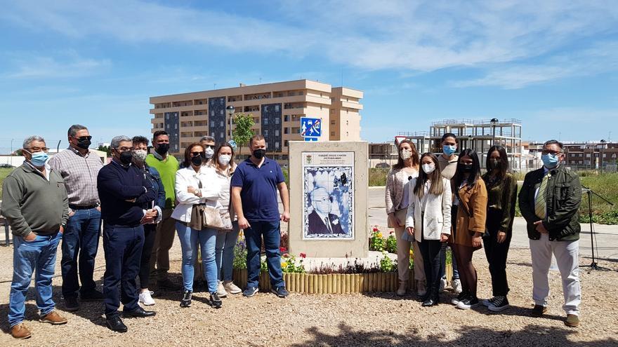 Inaugurado el parque del veterinario Ángel Cascón