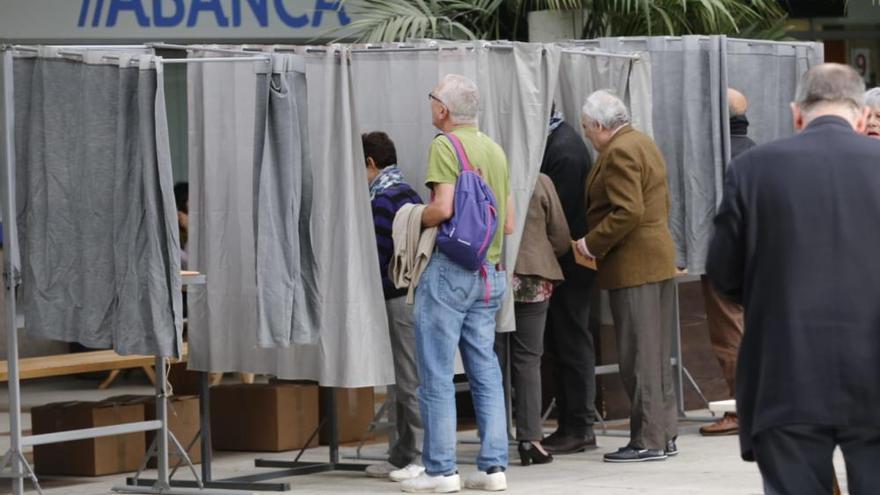 Elecciones Generales en Galicia 2019   Las imágenes de la jornada