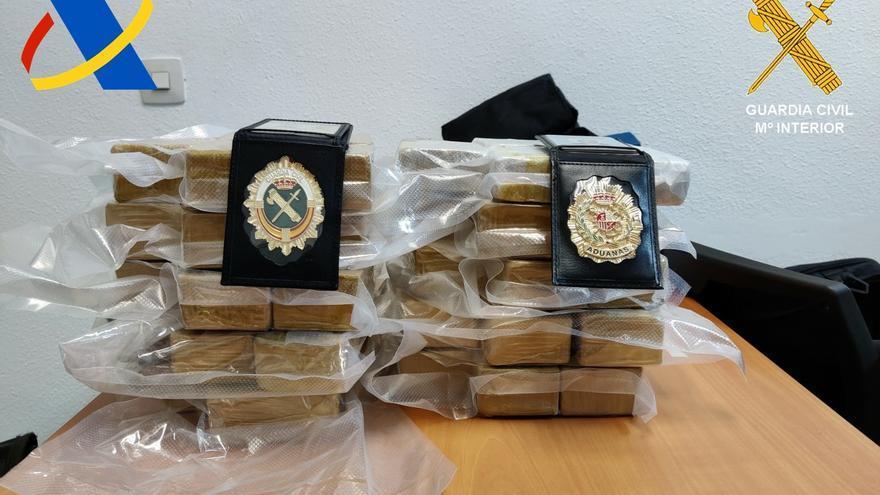 Detenido en el aeropuerto de Gran Canaria por llevar 10,5 kilos de heroína en la maleta