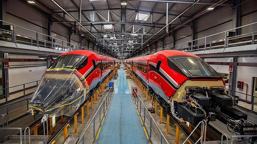 Los primeros  trenes de ILSA  salen de fábrica