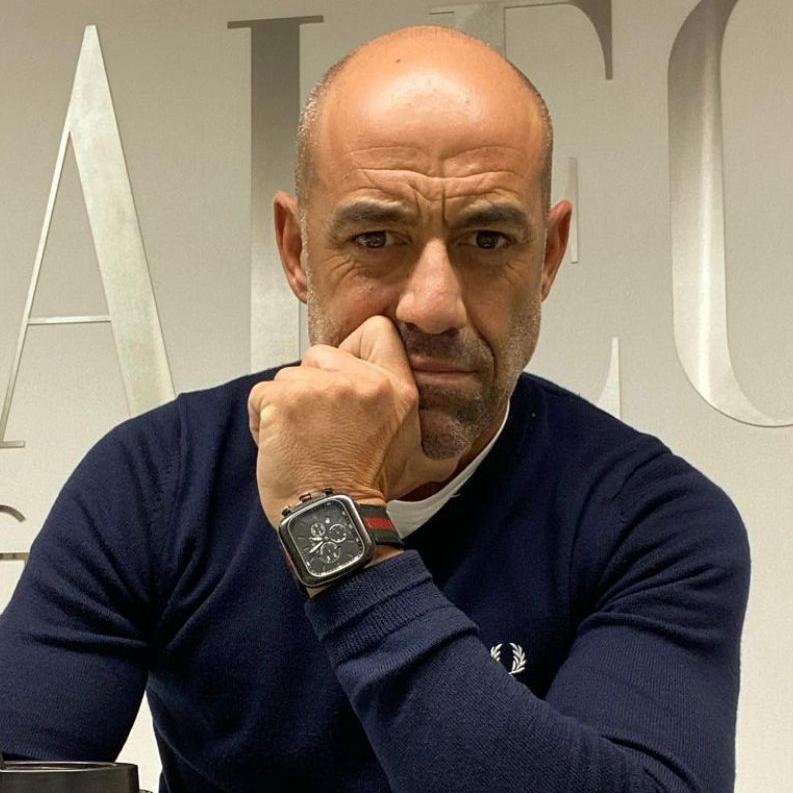 Alejandro López.