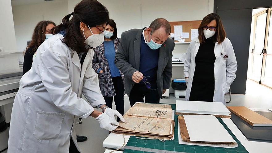 El Puerto renueva el acuerdo con la Escuela de Arte para recuperar documentos antiguos