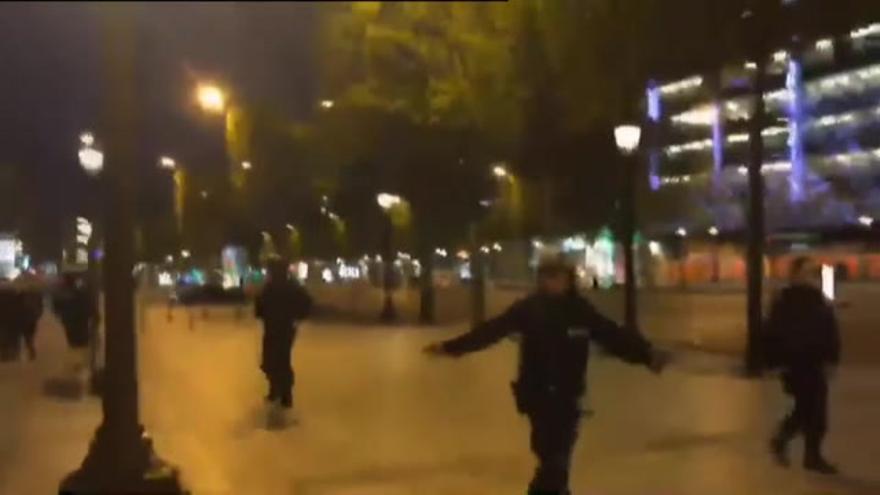 Tres detenidos relacionados con el atentado en los Campos Elíseos