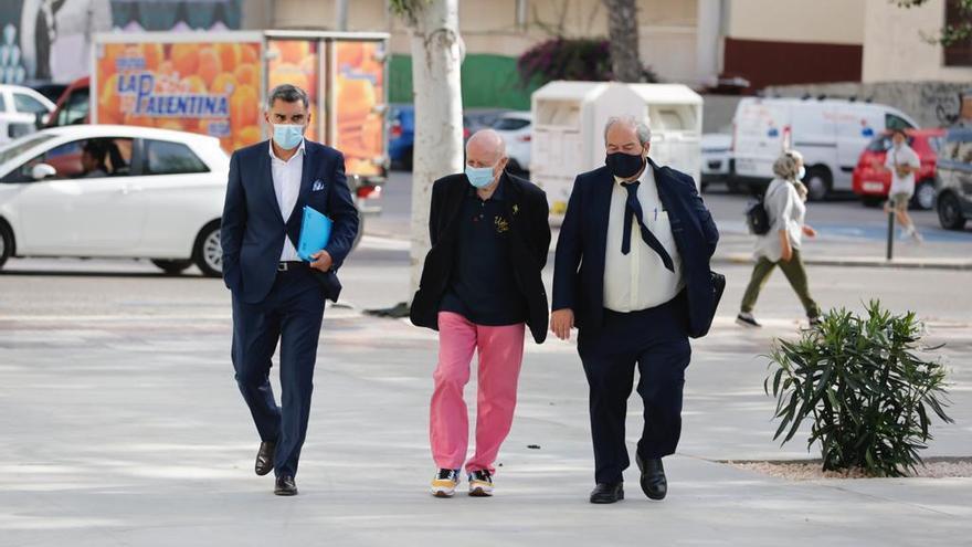 Matutes llega al juzgado de Ibiza para declarar por el robo millonario a su empresa