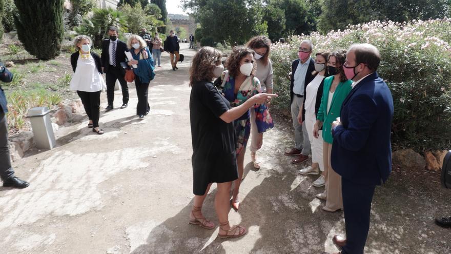 La ministra de Hacienda y la presidenta del Govern se reúnen en Raixa