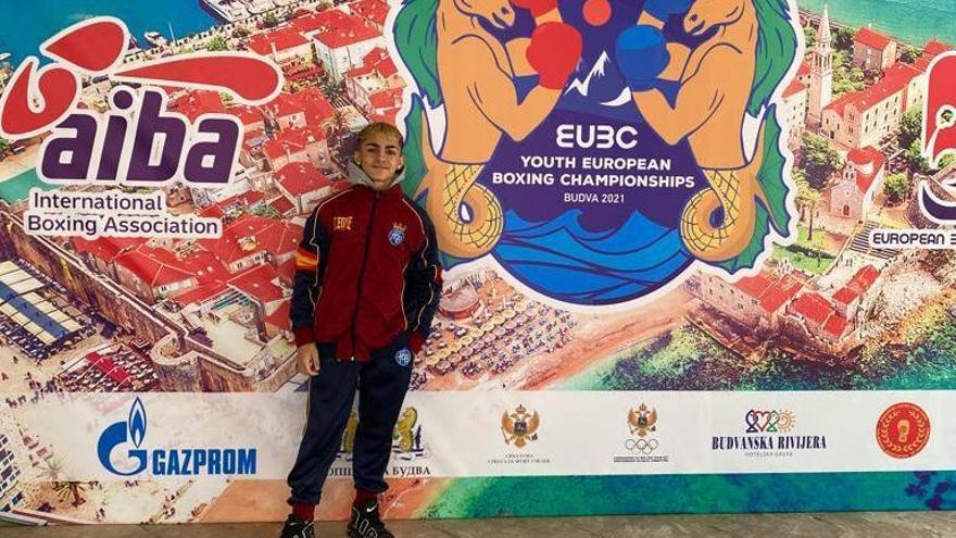 Rafa Lozano júnior pasa a los cuartos del Europeo de boxeo de Budva