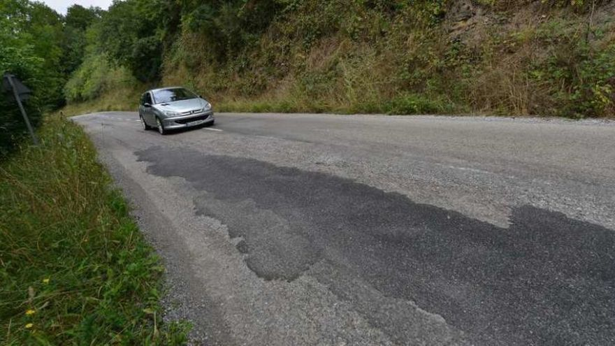 Asturias invierte 1,1 millones en mejorar las carreteras de 33 concejos