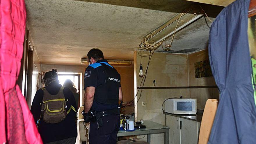 Los okupas de la Casa dos Pobres declaran ante la jueza con la Policía pendiente de actuar