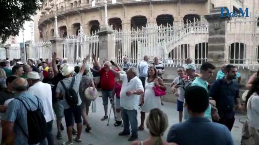 Los toros vuelven a Mallorca al ritmo del 'Cara al Sol'