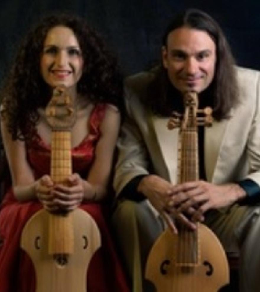 Fernando Marín y Nadine Balbiesi: Cantar alla Viola