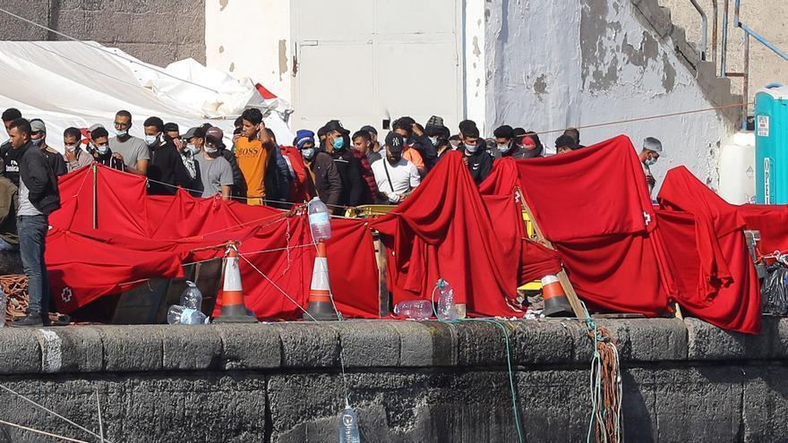 Bankia cede una nave de 7.000 metros en Gran Canaria para alojar a inmigrantes