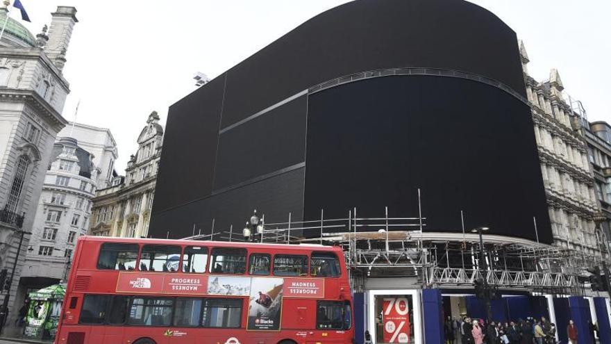 Piccadilly apaga els seus anuncis per primera vegada des de la II Guerra Mundial