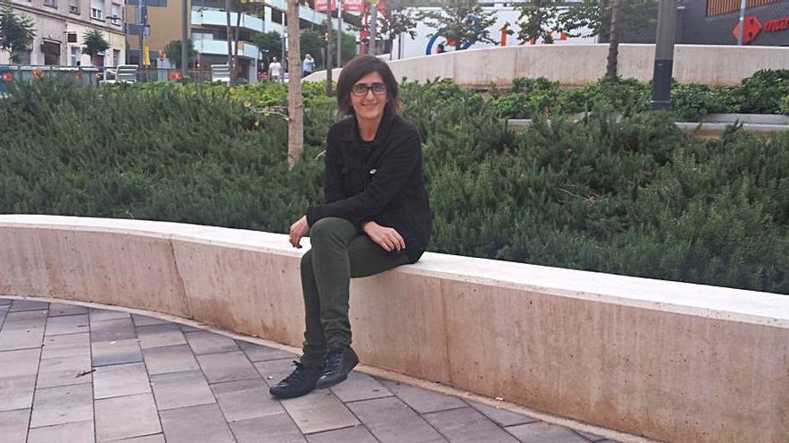 Natza Farré farà dijous una visita guiada a la mostra «Feminista havies de ser»