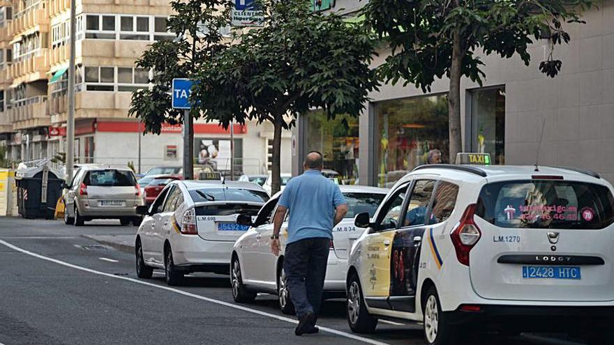 Los tribunales suspenden la prohibición a los taxistas de la ciudad de trabajar todos los días