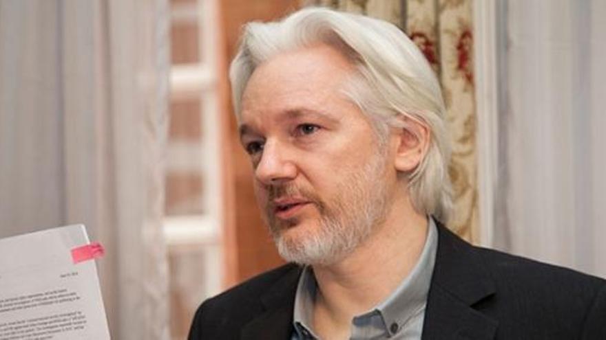 """Assange ofereix 20.000 euros a qui reveli el """"secret d'Estat"""" de l'operatiu policial de l'1-O"""
