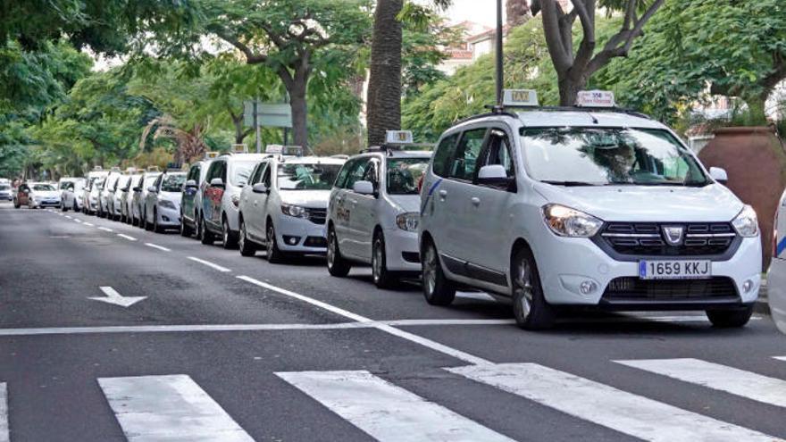 La Justicia da la razón  a Elite Taxi: jueves y viernes, caravanas en las ramblas