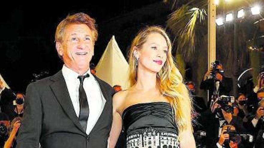 Dylan Penn deslumbra en el Festival de Cannes