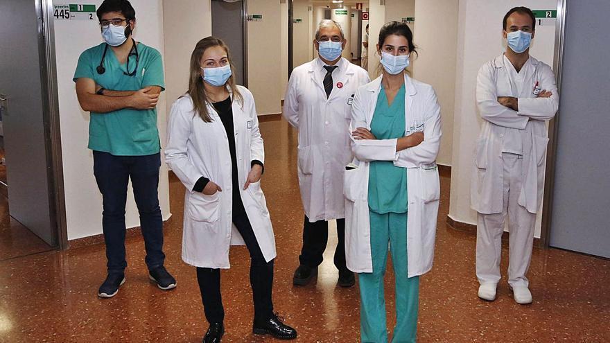 Médicos vigueses, premiados por detectar los factores asociados a un peor pronóstico por el COVID