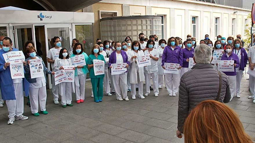 Protesta en Zamora | Los sanitarios piden a la Junta la misma subida que aplica a las enfermeras