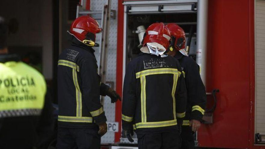 Un herido en el incendio de una vivienda en Castelló