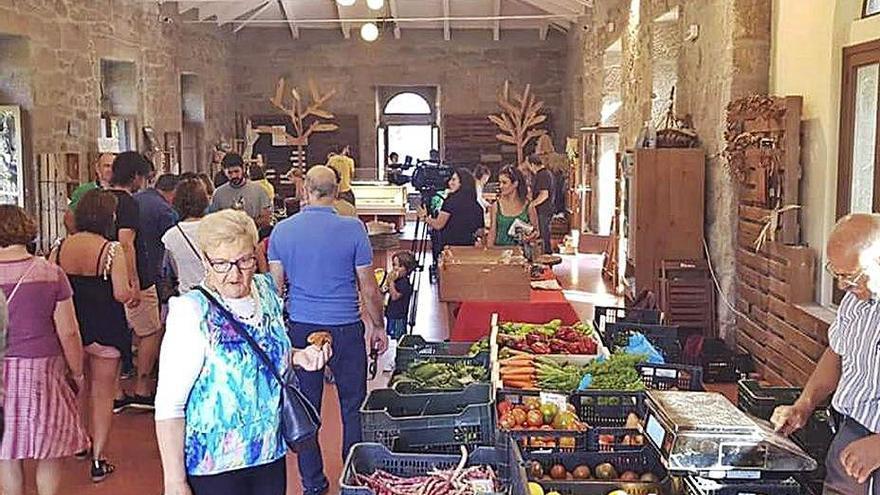 Los alaricanos apuestan por los productos locales y mantienen a flote las ventas