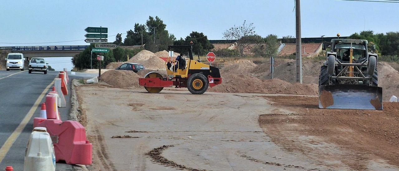 Los trabajos en la CV-820 entre Agost y San Vicente ya se han reanudado y marcha a buen ritmo.