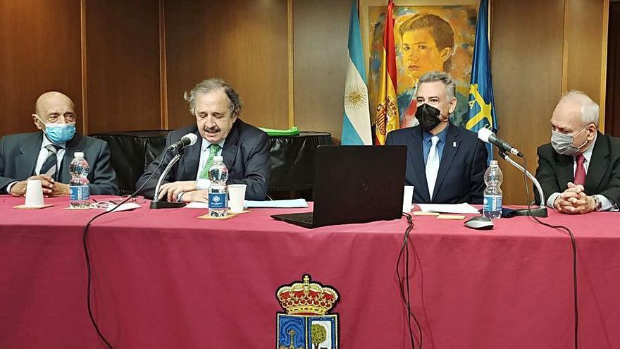 El embajador de Argentina, en el Centro Asturiano de Madrid