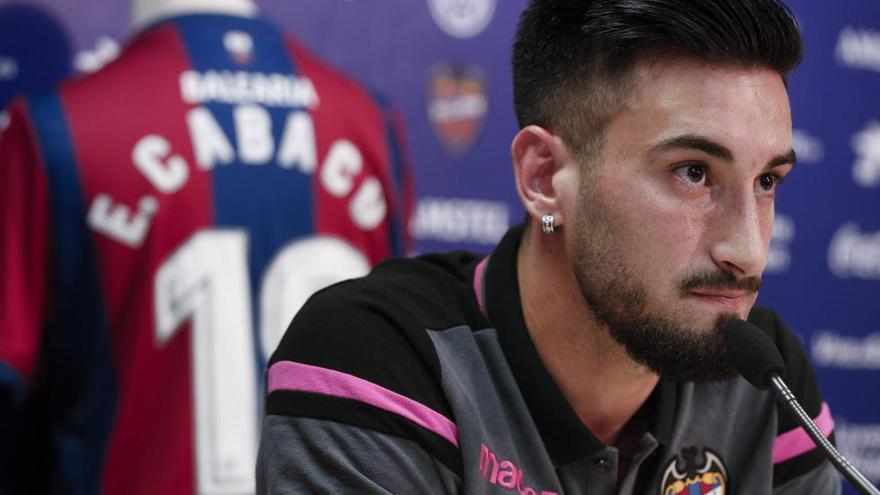 El Levante UD ejerce la opción de compra sobre el uruguayo Cabaco